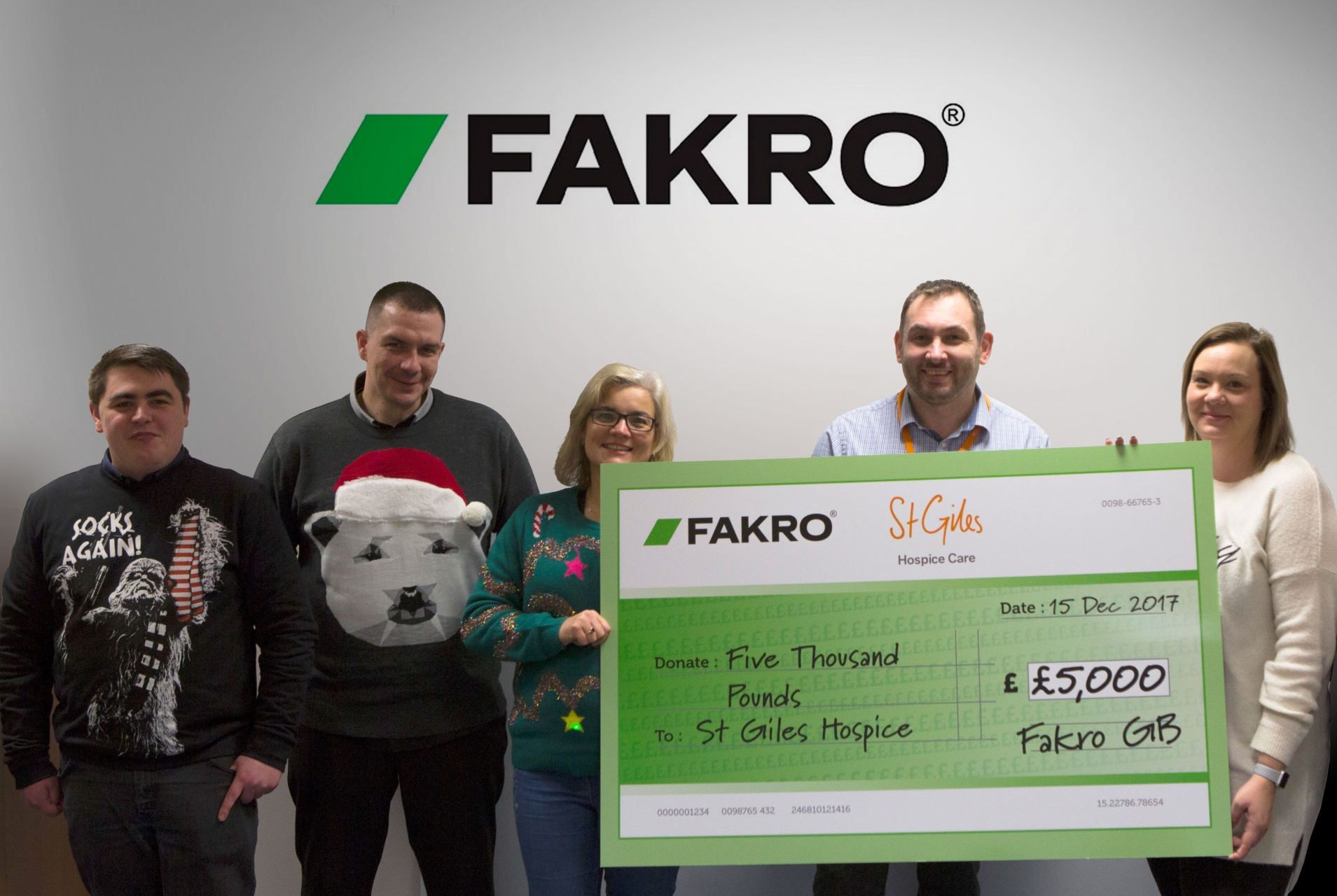 FAKRO donate to St Giles Hospice