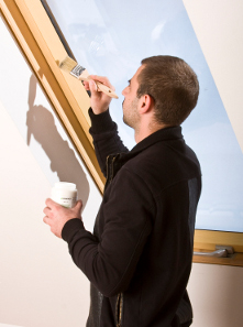 Maintenance and renovation of lacquers and coatings - wooden windows